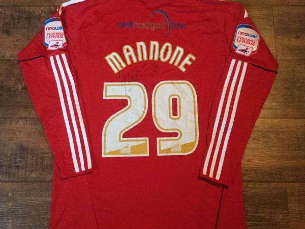 2010 2011 Hull City Mannone Match Worn Poppy Gk Football Shirt